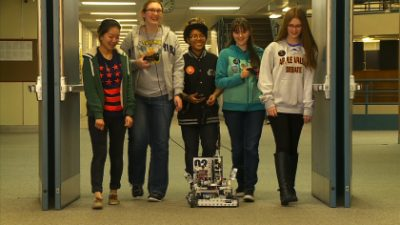 girls robotics team